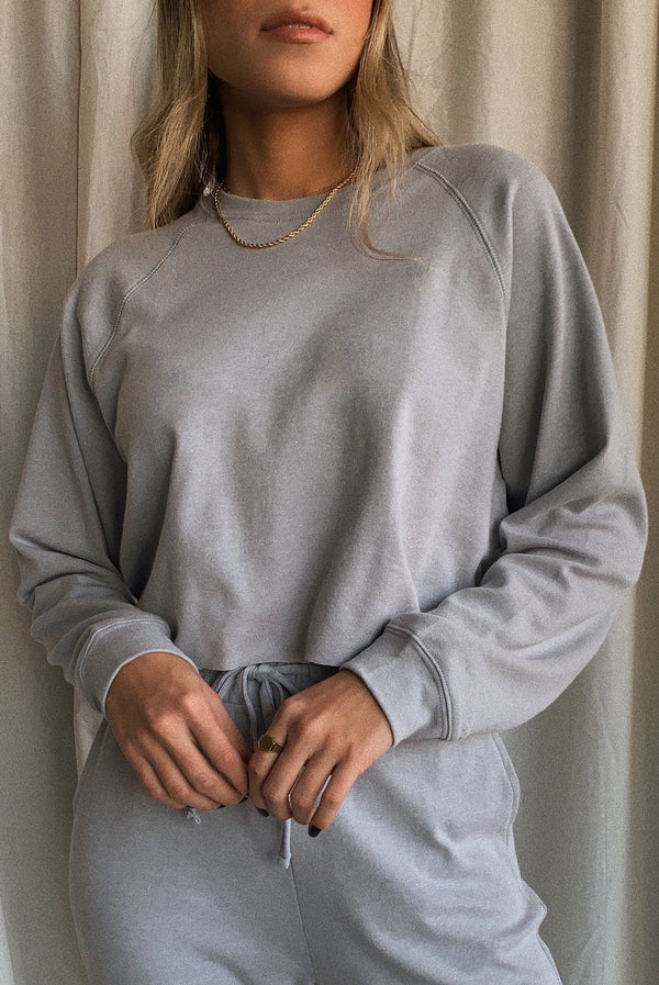 Morning Dusk Crop Sweatshirt Grey