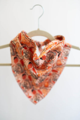 Magnolia Bandana in Peach