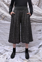 Load image into Gallery viewer, Flared Culotte Pants