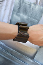 Load image into Gallery viewer, SQUIGGLE BAND CUFF - UMBER BRONZE