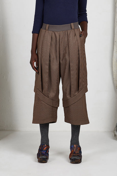 AW20 PLICA DOUBLE CUFF PANTS - CEDARWOOD
