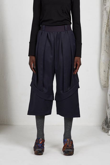 Unisex wide leg tailored ankle length pant in Italian wool
