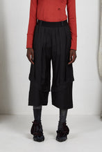 Load image into Gallery viewer, AW20 PLICA DOUBLE CUFF PANTS - OBSIDIAN