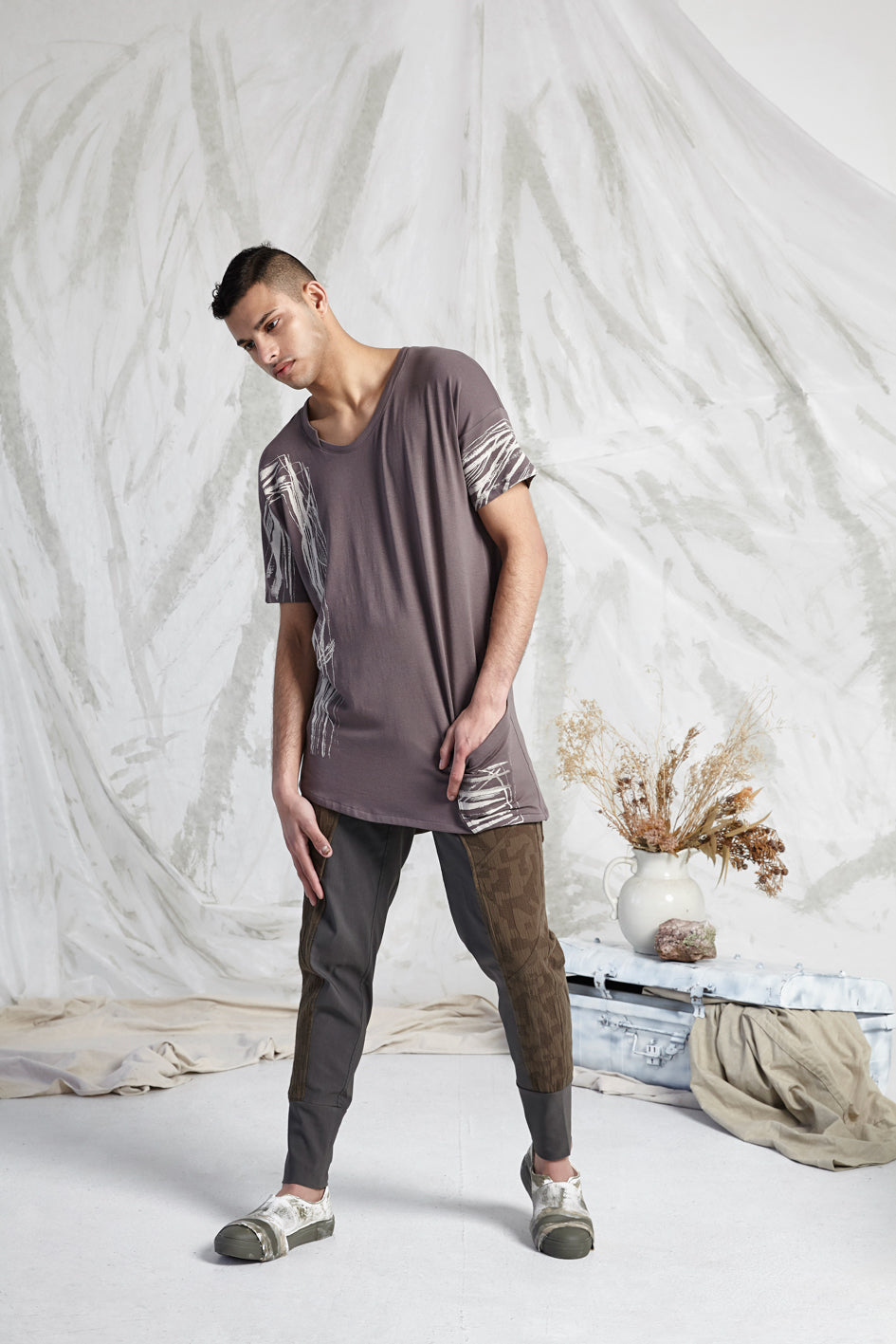 HEDI LONG LINE POCKET TEE - BARK RECOLLECTIONS PRINT