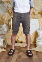 Load image into Gallery viewer, S/S 20 ORRI SLIM SHORTS - TEAK