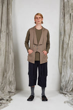 Load image into Gallery viewer, AW20 STELLAN PANEL VEST - SANDSTONE