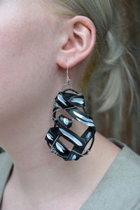 TWIST EARRINGS  - JET ASH MEDIUM