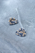 Load image into Gallery viewer, PEBBLE STUD EARRINGS - SLATE TAUPE