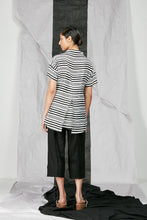 Load image into Gallery viewer, Women's Flare Top with Back Split