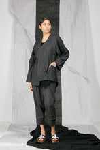 Load image into Gallery viewer, Italian Wool Suiting Women's Unisex Kimono Zip Jacket with Pockets