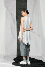 Load image into Gallery viewer, Women's Linen Tank Top with Layered Back Split