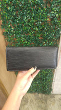Load image into Gallery viewer, BGAL- 0373 Black clutch wallet with string texture