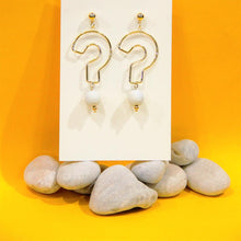 Load image into Gallery viewer, BIO-0467 Question mark earrings