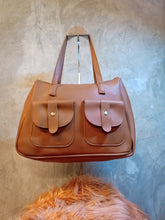 Load image into Gallery viewer, BGAL-0323 Brown leather shoulder bag