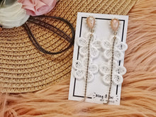 Load image into Gallery viewer, BIO-0467 white flower dangling earrings