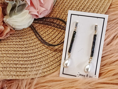 BIO-0467 Black and gold rectangle crystal with pearl teardrop earrings