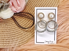 Load image into Gallery viewer, BIO-0467 Pearl top with grey circle dangle earrings