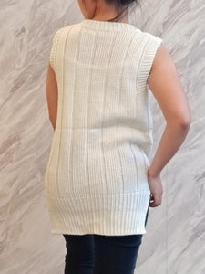 ELE-0380 Sleeveless knitted white top
