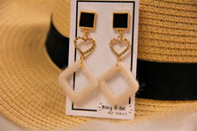 Load image into Gallery viewer, BIO-0467 Black tile heart earrings with furry diamond dangle