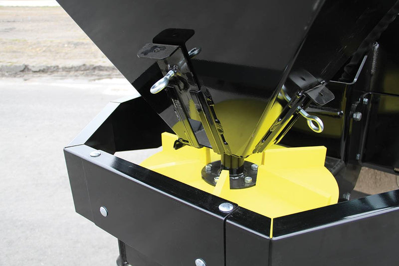 Variable speed polyurethane spinner