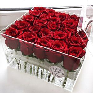 25 Roses Spectacular Box
