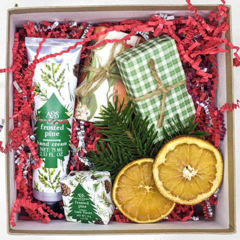 Pinecone Love Gift Box
