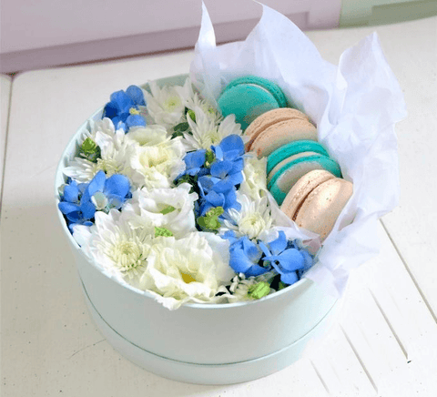 Blue Edition Flower Macaron Box