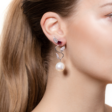 Load image into Gallery viewer, Mille Et Une Feuilles Climbing Ivy Earrings