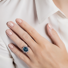 Load image into Gallery viewer, Tsarina Sky Blue Flake Ring