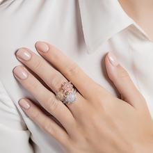 Load image into Gallery viewer, Petite Tsarina White Ring