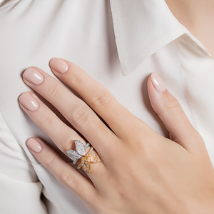 Petite Feuille White Ring