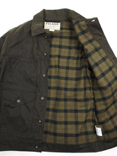 Load image into Gallery viewer, Filson Waxed Jacket Green Small