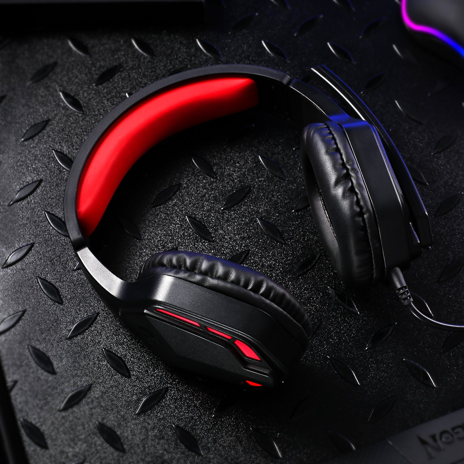 Redragon H220 THEMIS Noise Cancelling Over-Ear Headphones with Mic