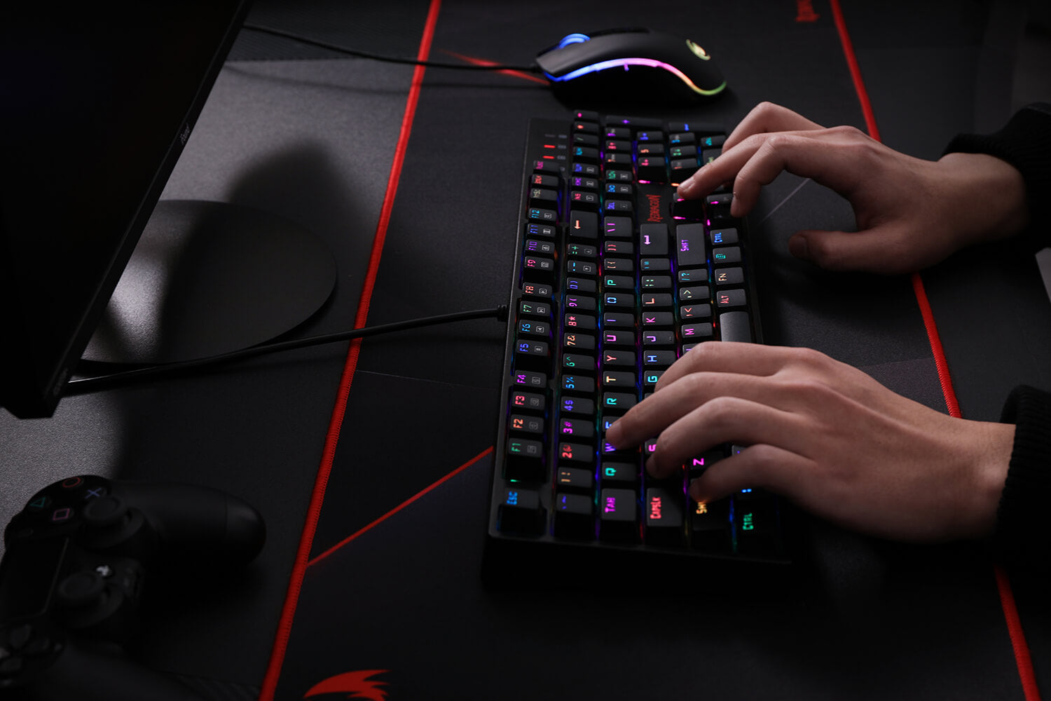 Redragon K582 SURARA RGB LED Backlit Mechanical Gaming Keyboard with104 Keys-Linear blue switches
