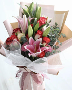 lily and rose flower bouquet | Free Flower Delivery | V Florist SG
