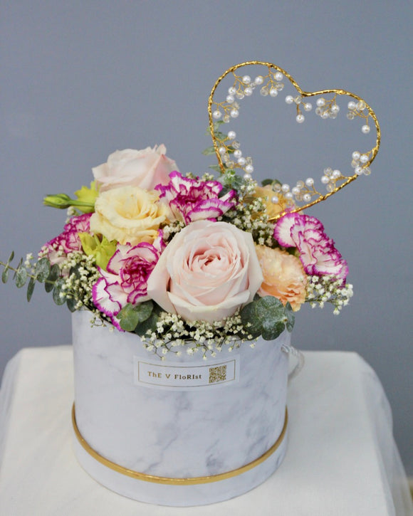 Fresh Flower Box carnation champagne roses | Free Flower Delivery | V Florist SG