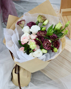 Spray rose bouquet | Free Flower Delivery | V Florist SG