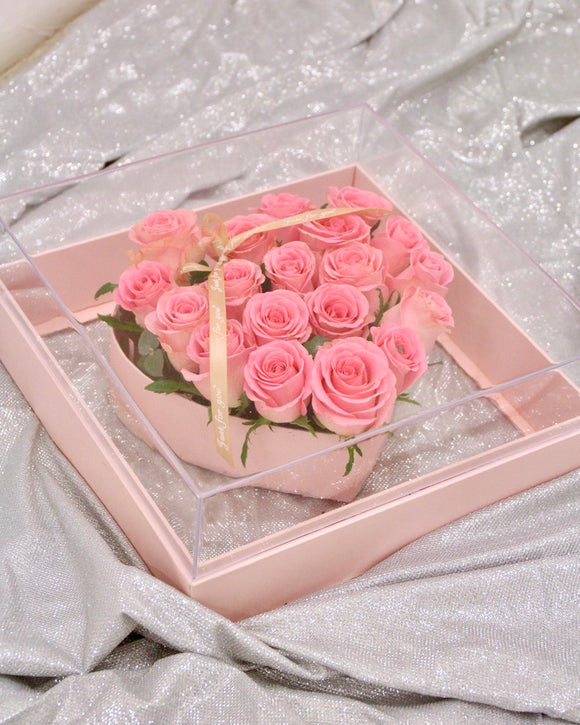 Heart-shaped Crystal Rose Box - Pink