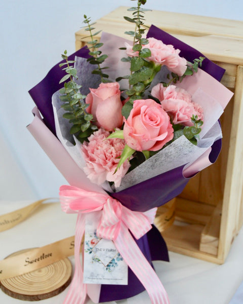 carnation bouquet rose bouquet mother's day | Free Flower Delivery | V Florist SG