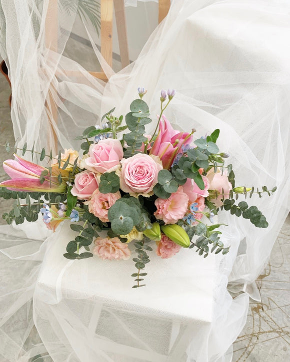 table arrangement table centrepiece | Free Flower Delivery | V Florist SG