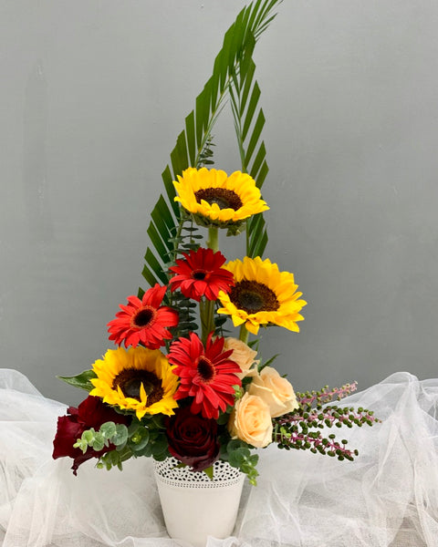 Table Arrangement - The Sunshine