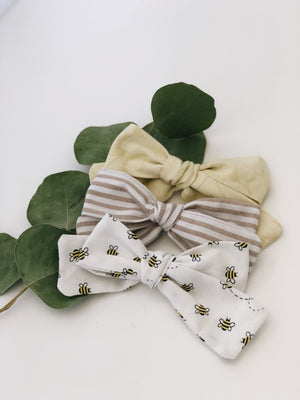 Bee bows
