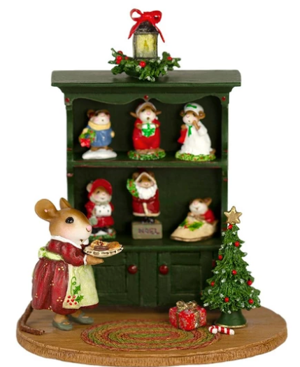M-674C Christmas Curio FULL~ Wee Forest Folk
