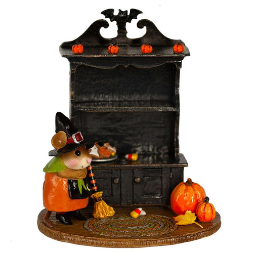 M-674b Collector's Halloween Curio (empty)