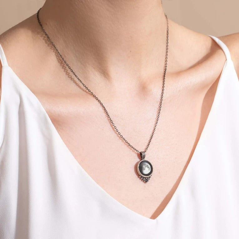 Classic Necklace with Black Swarovski Crystal in Pewter