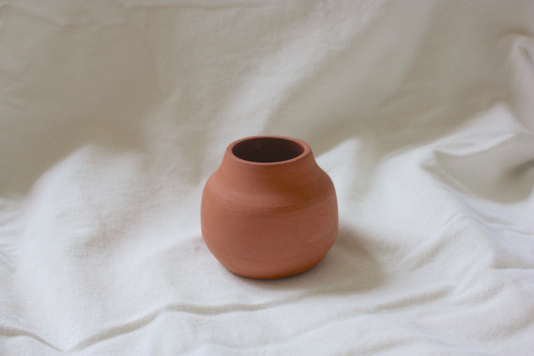 Terracotta small roundy vase