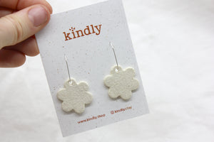 Flower Earrings - natural
