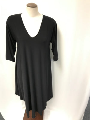 V neck dress - 3/4 sleeve - black - interesting hemline