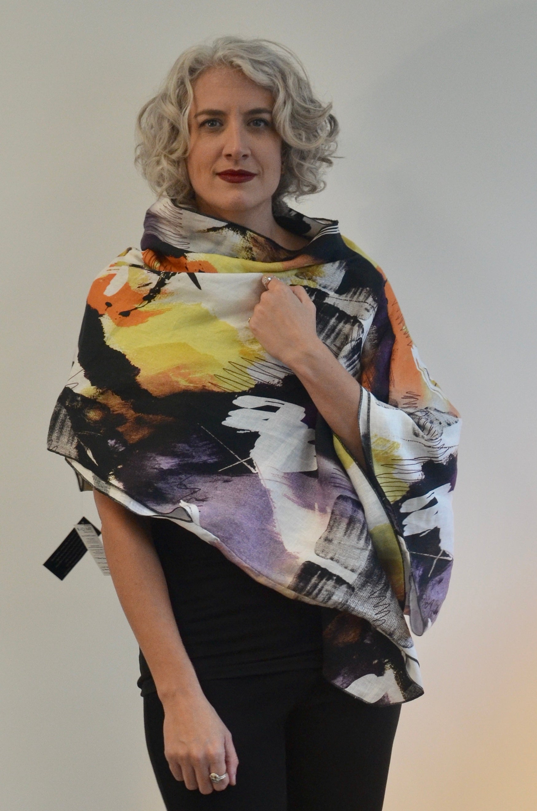 Linen Top with pockets and use as a shawl/poncho