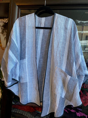 Short Linen Jacket with Pockets!